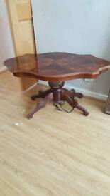 Coffee table and mirror set