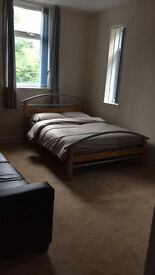 Nicely decorated and furnished Studio Flat in Kilmarnock Town Centre