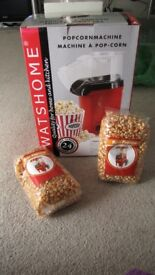 Popcorn maker with 2 sealed bags of corn - only used once, with original packaging