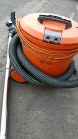 Vacuum cleaner VAX VCC-10C