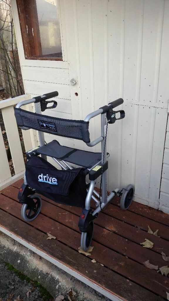 Drive Diamond Lightweight Rollator - SILVER GOOD CONDITION VERY SOLID