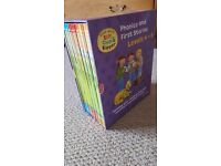 Oxford Reading Tree Box Set - Read with Biff, Chip and Kipper Levels 4-6