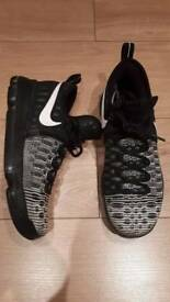 Trainers & football boots