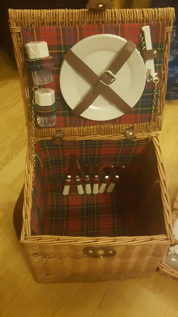 Picnic Hamperin Attleborough, NorfolkGumtree - Picnic hamper containing cutlery, plates bottle opener and glasses