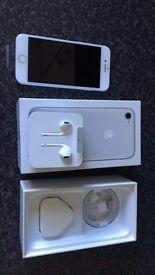 Brand new Apple iPhone 7 32GB Silver Unused Boxed Unlocked + Apple Warranty!!
