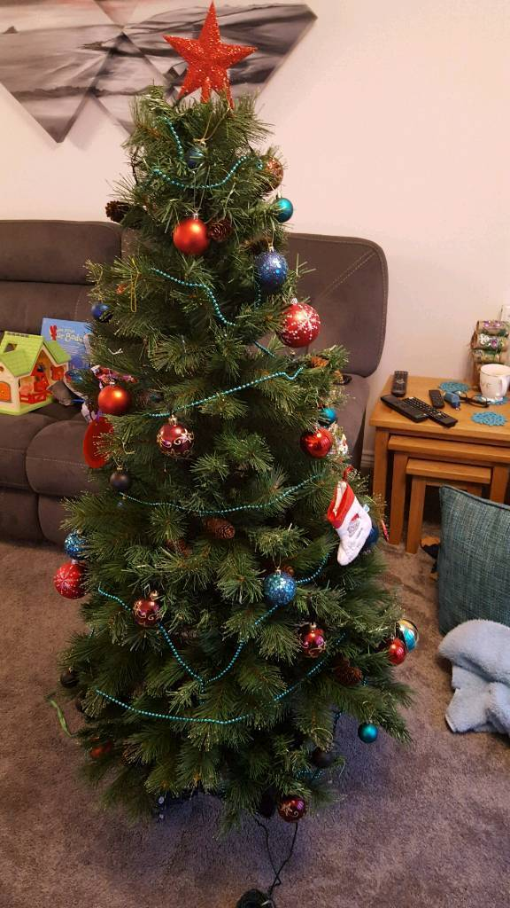 5ft Christmas tree , lights & decorations