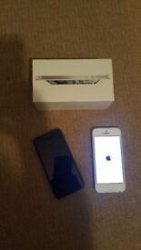 2x iphone 5 for sale black and white