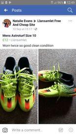 Astroturfs Mens size 10