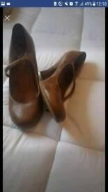 Tan brown heels