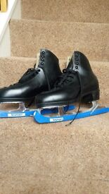 Mens Ice Skates Size 9 (44) Excellent condition