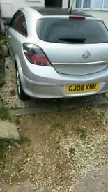 Swoep or nearst offer 1years MOT Vauxhall Astra SXi 06 black 1.6 1years MOT