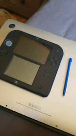 NINTENDO 2DS COMES WITH 2 games