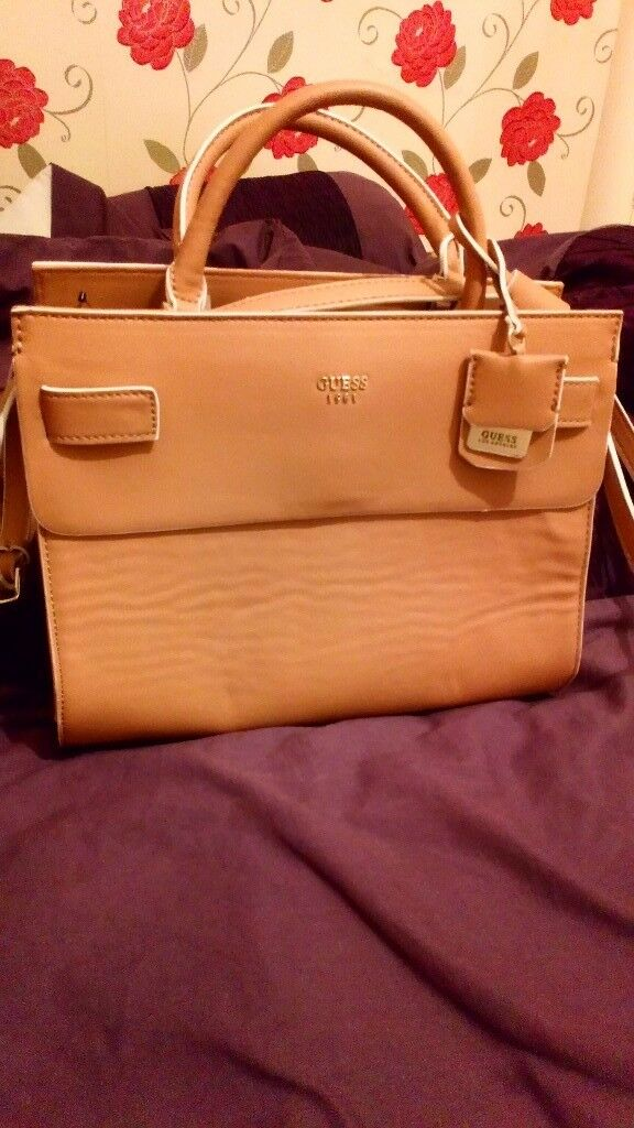 A nice really Guess bag for women . Brand new . £80