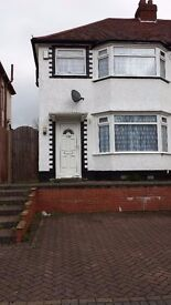 3 Bedroom Semi Detached Property with 2 Car Drive for Rent