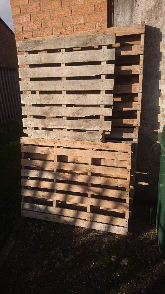 free 4 old pallets in good condition different sizes