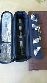 Insulated bottle/picnic bag. Brand new