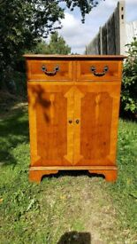 Reproduction Yew Hifi Cabinet with Lift up Lid for Turntable