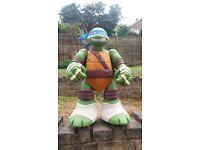 Turtle Mutant Giant Leo Playset.