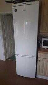 White Zanussi fridge freezer for sale - excellent condition