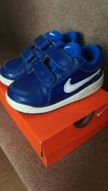 Toddler Nike trainers. Size 6 1/2