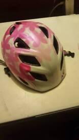 Quality girls cycle helmet 52-57 cm MET