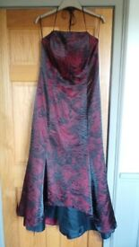 Stunning Gina Bacconi evening dress size 16 BNWOT Cost £250 selling £20!!!