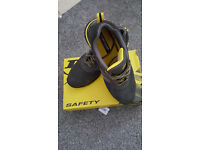 SAFETY SHOES DUNLOP
