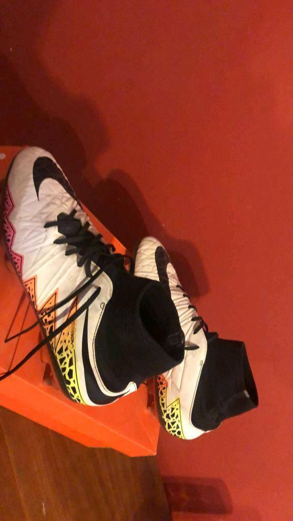 Nike Hypervenom sock boots  b9c731f2e2ae
