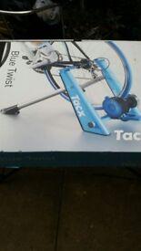 Unused, new & Boxed Tacx Blue Twist T2675 Turbo Trainer.