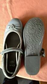 Girls Clarkes shoes size 4F
