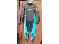 VARIOUS MENS AND LADIES WETSUITS AND LIFE JACKETS