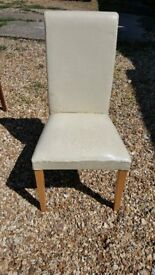 6 dining chairs, 4 black, 2 white. £10 total. Collection Only.