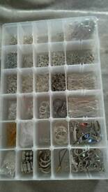 JEWELLERY MAKING ACCESSORIES + CASE