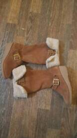 M&S boots size UK 1