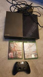 Xbox one with controller and 2 games - 587 327 2563