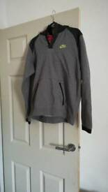 Boys nike jumper size small