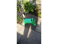 Whirlee, Ride on toy in Green by Mookie