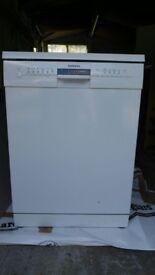 Simens IQ500 White freestanding dishwasher