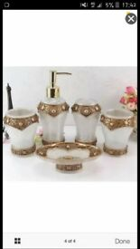 beautiful resin bathroom set brand new white and gold