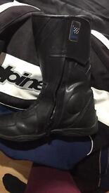 Spada size 9 boots