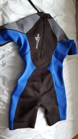 Cyclone wetsuit - 2.5/3mm shortie XL Excellent condition