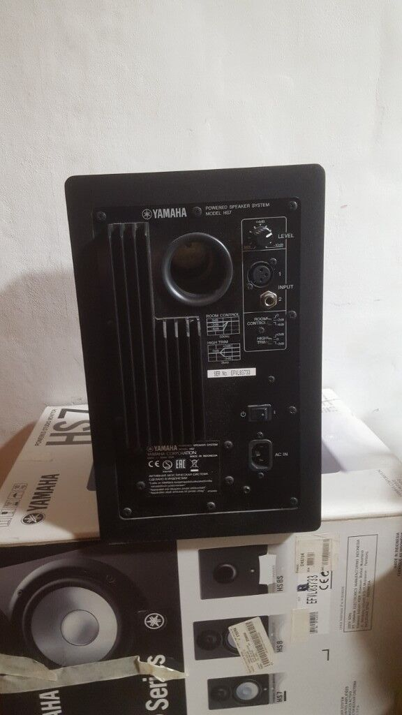 yamaha hs7 studio monitors speakers extras quick sale in peckham london gumtree. Black Bedroom Furniture Sets. Home Design Ideas