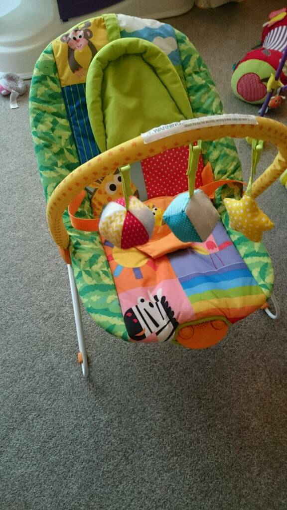 Chad valley deluxe rainbow bouncer in newcastle tyne for Door jumperoo