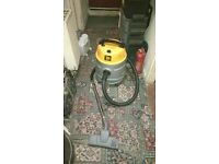 JCB wet and dry vacuum cleaner