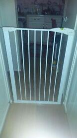 Lindam extra tall pet gate