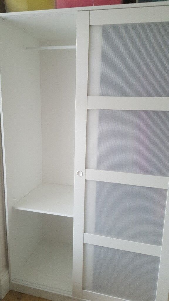 Ikea Kvikne Wardrobe With 2 Sliding Doors Like New In