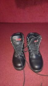 New size 8 working boots
