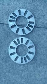 Universal wheel spacers