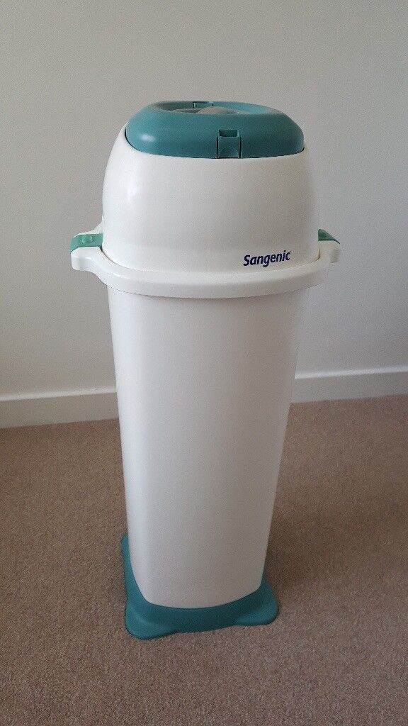 XL sangenic twin's nappy bin and 1 remaining refill