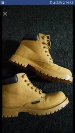 Mens tanned boots